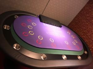 タクマ工業オリジナルカジノテーブル